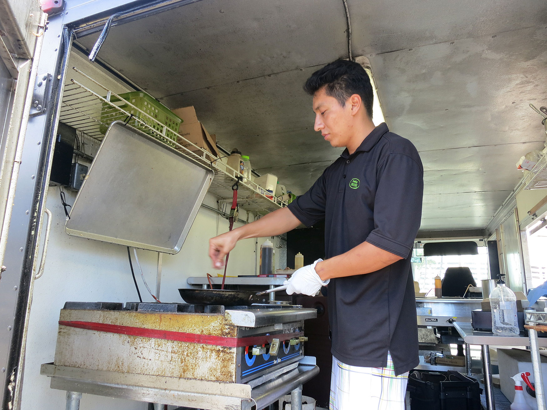 Cooking fresh for you food truck tasty island for Fresh chef kitchen
